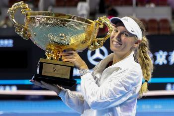 Wozniacki Surges Into Her 30th WTA Title in Beijing